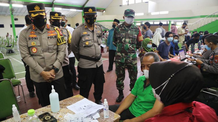 Kapolresta Monitor Kegiatan Vaksinasi di Ponpes Suryalaya Tasikmalaya