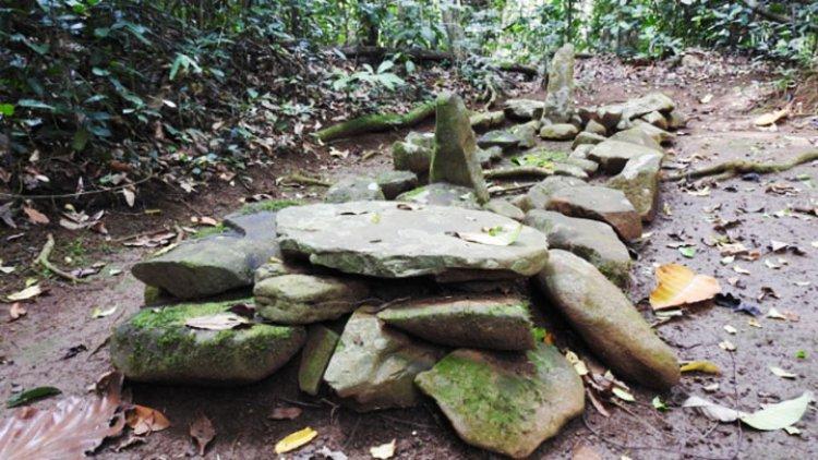 Misteri Eyang Dalem Dungkut, Makam Keramat di Tepi Sungai Cimuntur