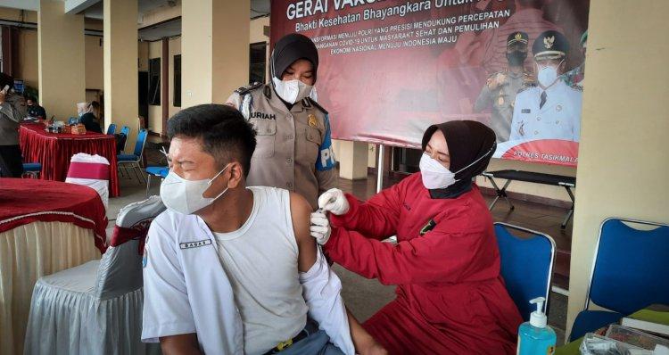 Gerai Vaksin Presisi di Mapolres Tasik Kota Diserbu Warga