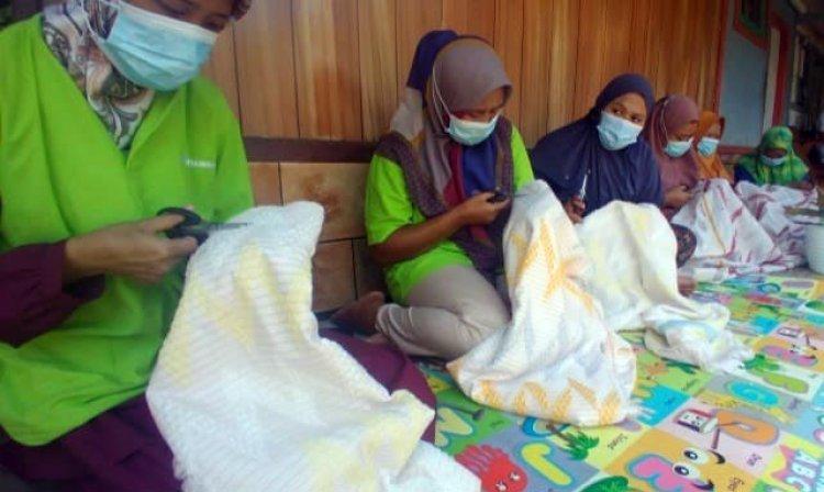 Petani Ulat Sutra Tetap Eksis di Masa Pandemi