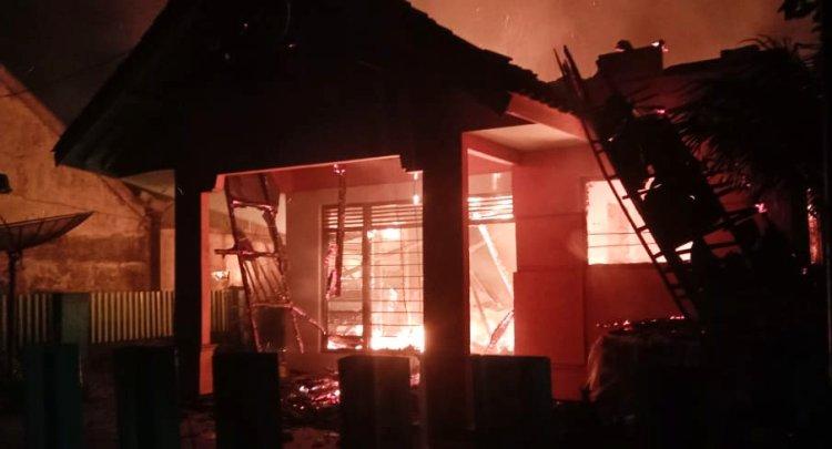 Rumah di Jamanis Terbakar, Korban Belum dapat Perhatian Pemerintah Setempat